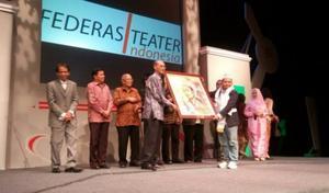 files/user/762/penyerahan-penghargaan-federasi-teater-indonesia-fti-award-2015.jpg